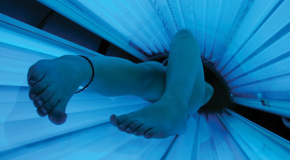 California first to place age limits on tanning