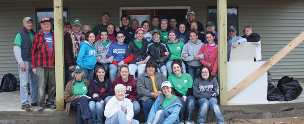 Elizabethtown students, faculty help Lend A Hand rebuild Mississippi town