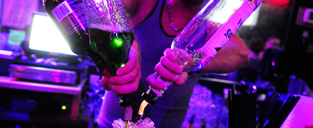 Club XS loses liquor license, gives free alcohol to all legal customers