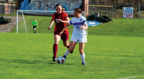 Women's soccer loses Homecoming game, men's team wins 1-0